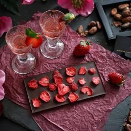 Ciocolata artizanala cu capsuni liofilizate -  70 g